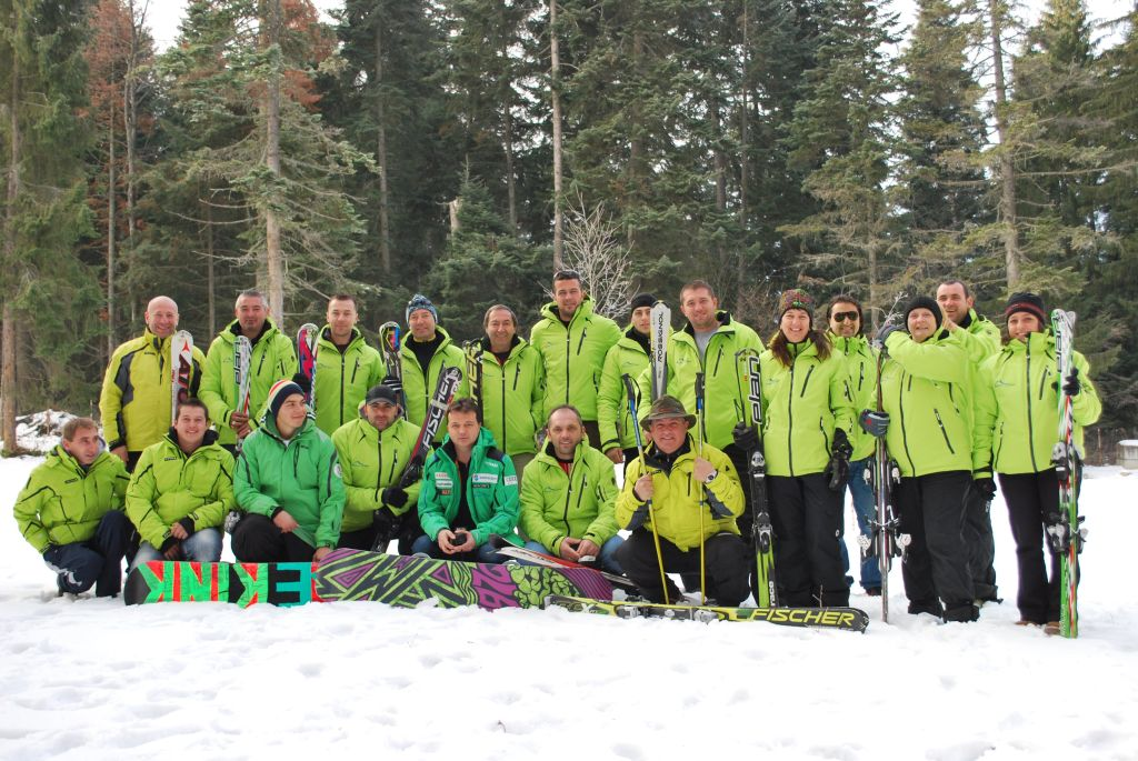HUNTERS SKI INSTRUCTORS 2013/2014 - Hunters Ski School Borovets